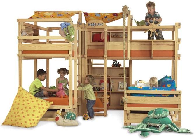 Двухъярусная кровать для детей с горкой своими руками